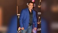 Salman Khan on an anti-Covid sanitising drive